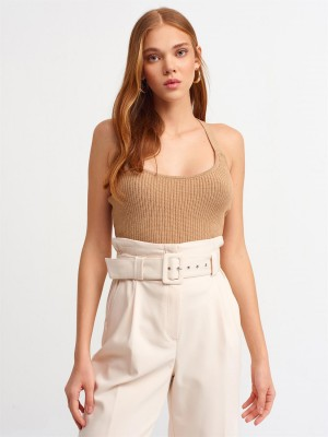 Top alb din tricot cross back Sugar Couture